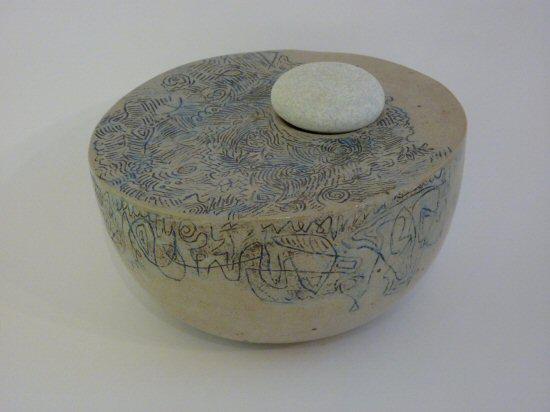Een plek voor een steen, zoutglazuur